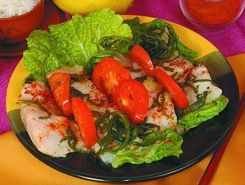 Салат из морского языка с помидорами и морской капустой