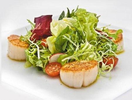 Салат из гребешков