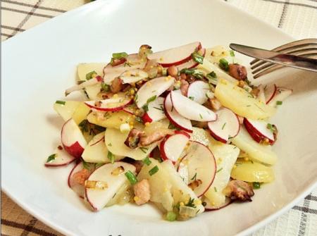 Картофельный салат с редиской