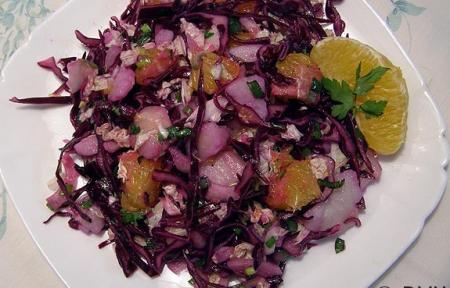 Салат из красной капусты с апельсинами и картофелем
