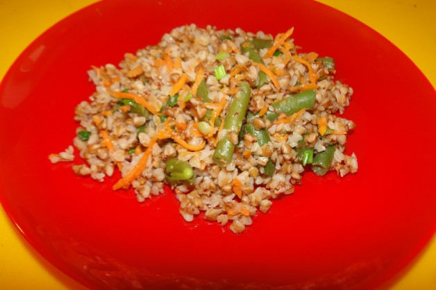 Диетическая гречка с овощами