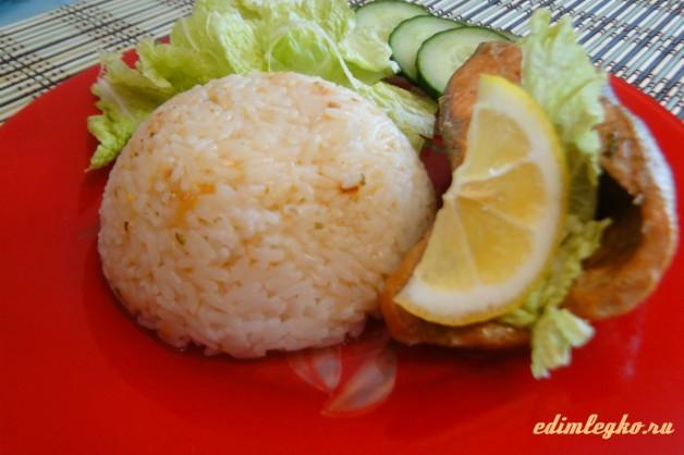 Запеченная горбуша с рисом и овощами