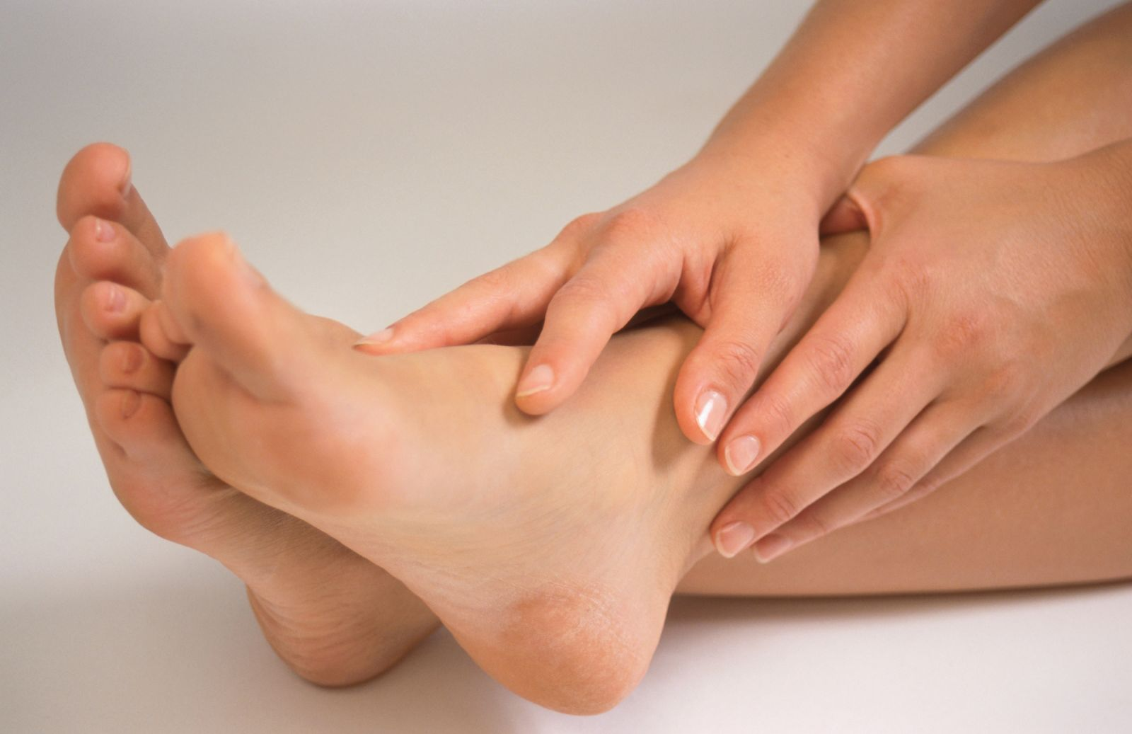 Как избавиться от мозолей на ногах?