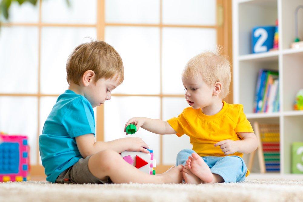 Когда лучше отдать ребенка в детский сад?