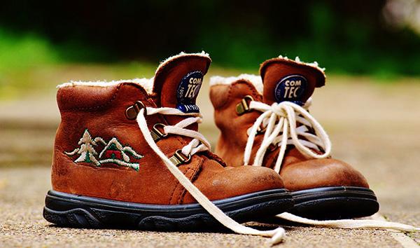 Как выбрать школьную обувь для мальчика