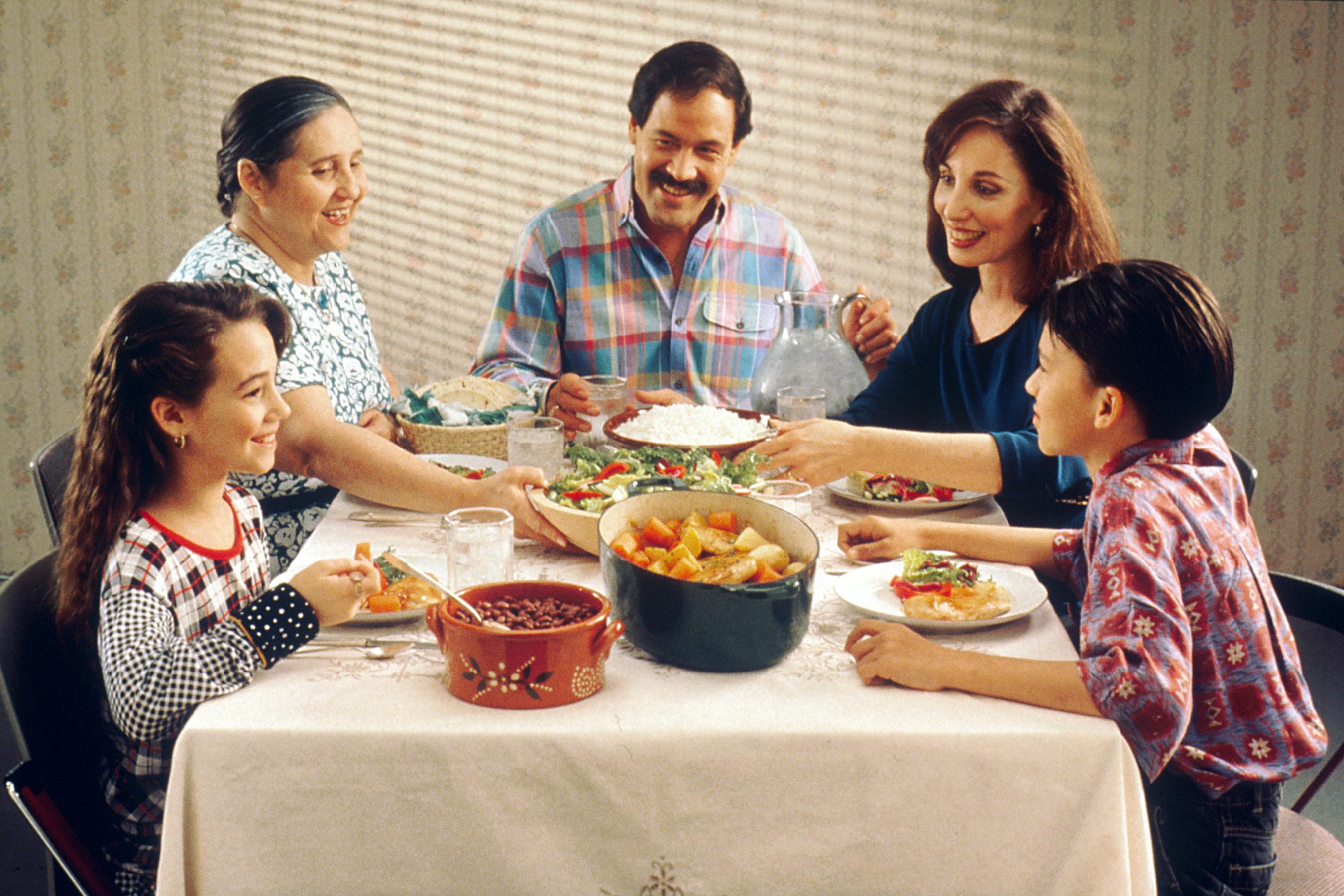 Зачем нужны семейные трапезы?